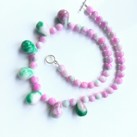 Pretty, green and Pink Jade Drops Necklace. Succulent necklace