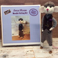Mouse character needle felting kit
