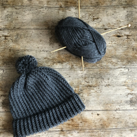Grey knit bobble hat in chunky wool (adult)