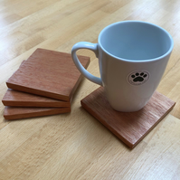 Square wooden coasters - set of 4 - meranti