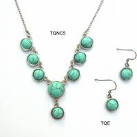 Synthetic turquoise necklet and earrings set