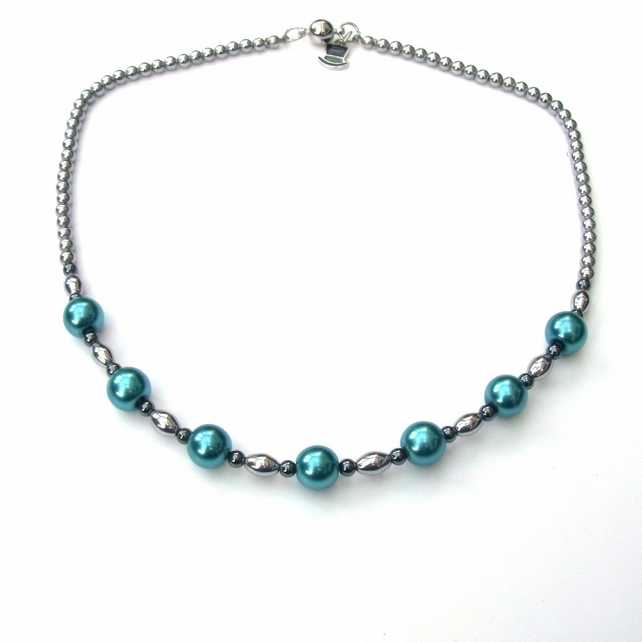 Silver plated haematite and pearlised glass necklace