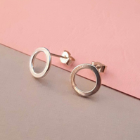 Circle studs Sterling Silver 1cm - small round silver stud earrings - Minimalist