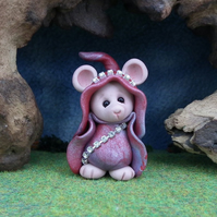 Downland Mouse 'Floss' Crop Gatherer OOAK Sculpt by Ann Galvin Gnome Village