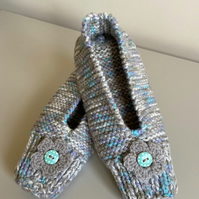 Hand knitted slippers - mink