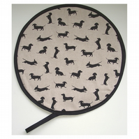 Aga Hob Lid Mat Pad Hat Round Cover Dogs Dachshunds Sausage Puppy Dogs Black