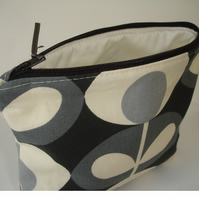 Grey Cosmetic Make Up Purse 1970s Flower 70s Retro Style