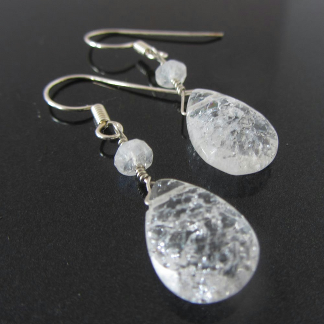 Icy queen Crackled quartz teardrop earrings in 925 silver, clear gemstones with