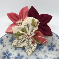 Kanzashi Cluster Brooch- red mix