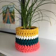 Crochet plant pot cover made with upcycled tshirt yarn - coral small