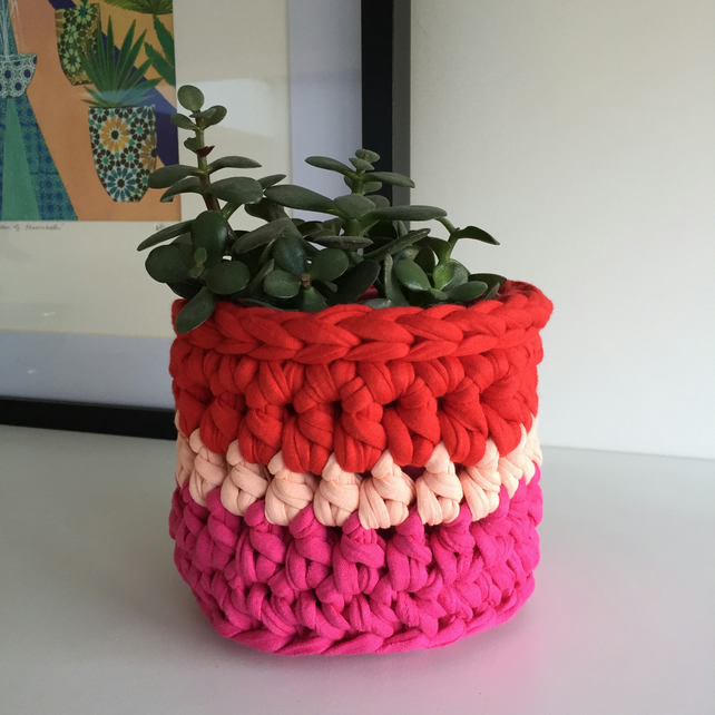 Crochet plant pot cover made with upcycled tshirt  yarn - pink mini