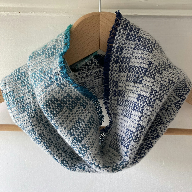 Steely Seas Lambswool and Cotton Handwoven Cowl
