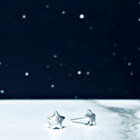 TWINKLE TWINKLE - ear studs - Sterling Silver star studs - gifts for girls!