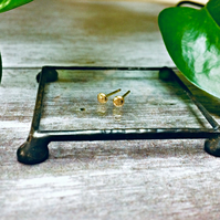 18 carat gold earrings - ear studs - small earrings - small gold studs - UK made