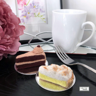 Felt cake set, chocolate cake and lemon meringue pie by Lily Lily Handmade