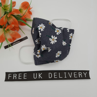 Face mask,  medium, 3 layer,  washable, in navy daisy.