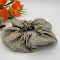 Scrunchie in sage with gold dots. 3 for 2 offer.