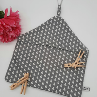 Peg bag in light grey and white sail boat cotton,  with carabiner clip.