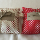 Heat pad in spotted cotton fabric option of lavender mixture
