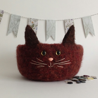 FELTED 'FUSSPOT'  BOWL , desk tidy. ' Hickory'  Cat . Brown.