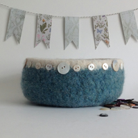 FELTED 'FUSSPOT'  BOWL ,desk tidy . 'Tideline  (with MOP buttons).'