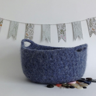 FELTED 'FUSSPOT'  BOWL , tray , desk tidy . ' Stonewash' . Blue (with handles ).