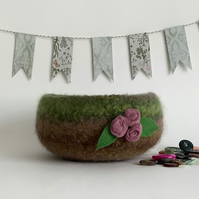 FELTED 'FUSSPOT' BOWL, desk tidy  ' Dusky Rose ' ( with rosebud corsage)