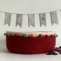 FELTED 'FUSSPOT' BOWL, desk tidy .' Jingle all the Way'. Christmas decor.