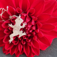 Frog pendant in sterling silver