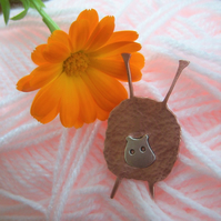 Copper sheep brooch with knitting needles