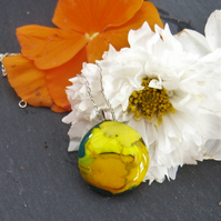 Yellow glass pendant