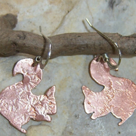 Squirrel earrings in copper