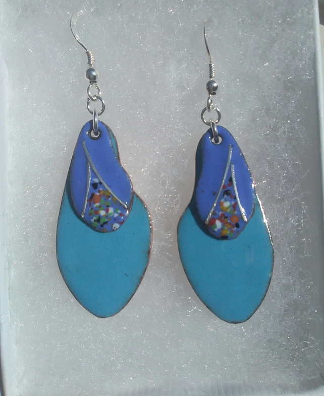KIDNEY SHAPED DOUBLE ENAMELLED EARRINGS WITH STERLING SILVER WIREWORK