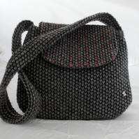 Shoulder bag in grey knitted lookalike fabric
