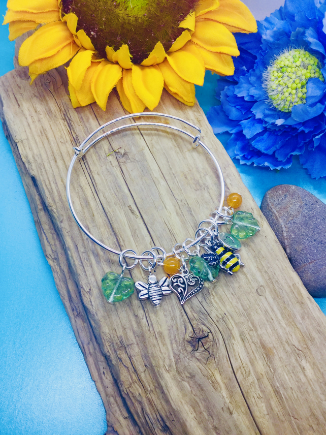 Bee sliding bangle
