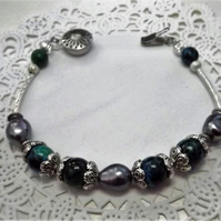 Green Jasper and Peacock Pearl Gemstone Beaded Bracelet.