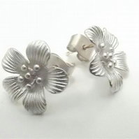 Brushed Silver Tone Flower Stud Earrings. Daisy Earrings. Flower Earrings.