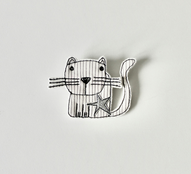 'Happy Cat' - Handmade Brooch