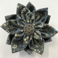 Triple Flower Cotton Brooch Grey