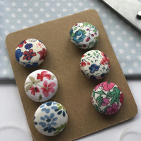 Set of 6 self covered Flower Buttons 2 cm