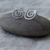 Silver Spiral Stud Earrings, Simple Hammered Silver Earrings, swirl earrings