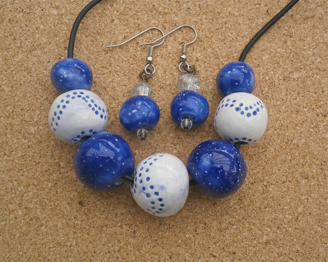 Blue ceramic necklace and earrings set with beads - Handmade jewellery set