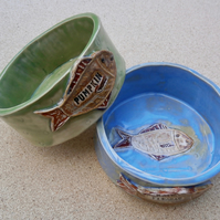 Cat bowl personalised with fish, Ceramic dog dish with bone, made2order 4t