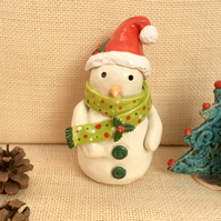 Ceramic snowman figurine with red bobble hat, holly, green and red scarf, 3t