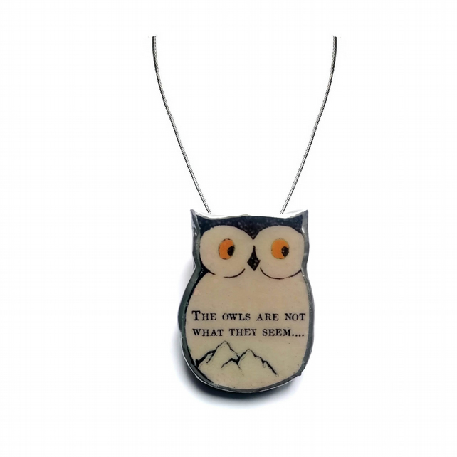 Twin Peaks 'The owls are not what they seem' Owl resin Necklace by EllyMental