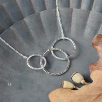 Linked Circle Necklace - 30th Birthday, 3rd Anniversary, New Mum Gift