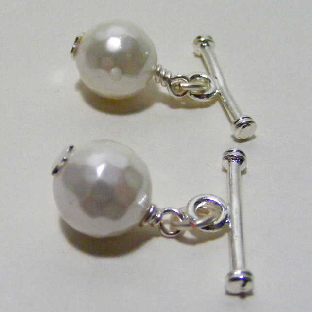 Shell Pearl Cuff Links