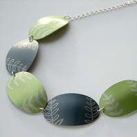 Leaf necklace in grey and green