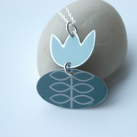 Tulip pendant in grey with leaf pattern