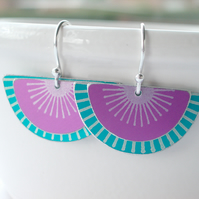 Fan earrings in pink and greenish turquoise with sunburst pattern